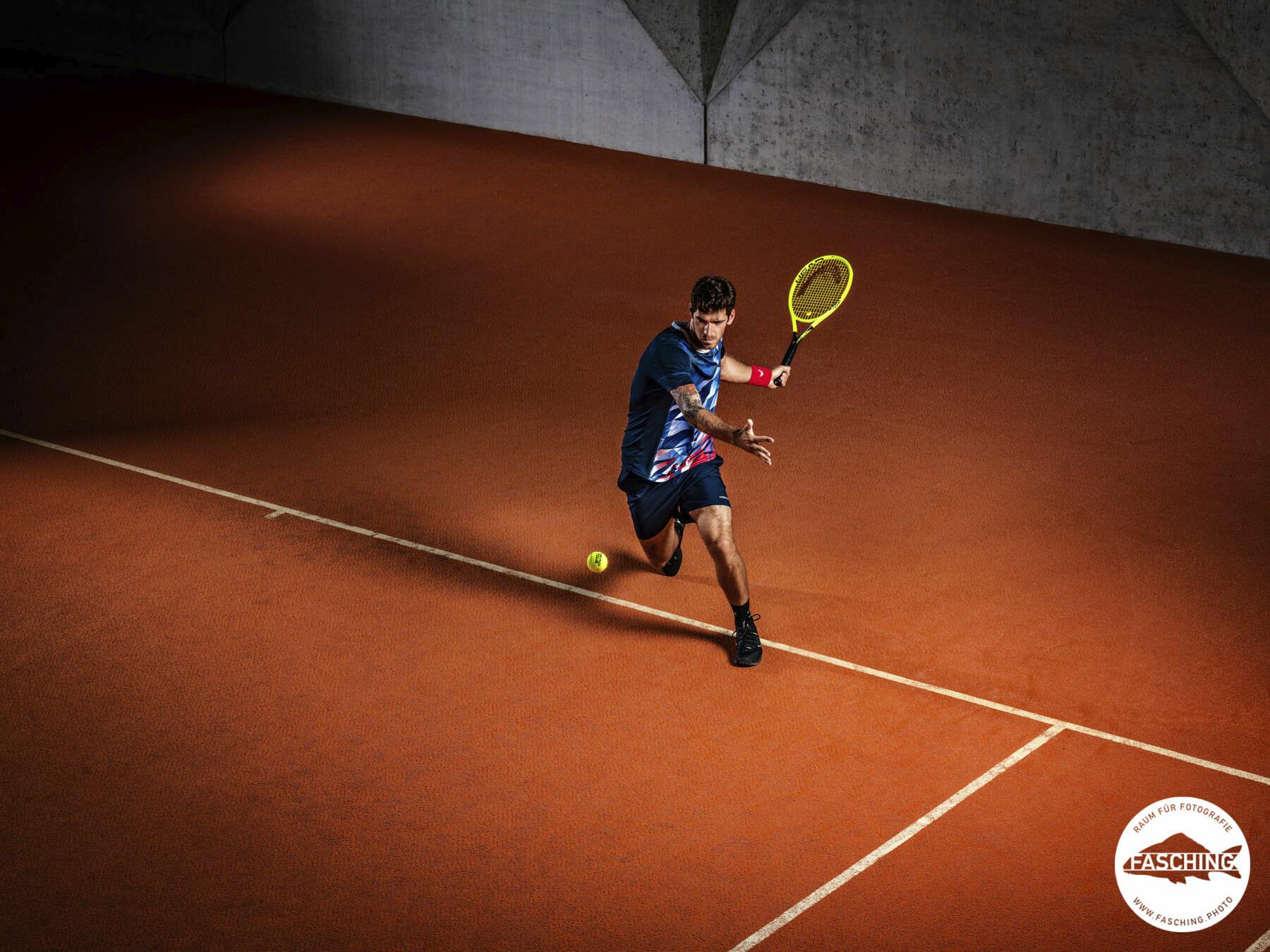 inszenierte Sportfotografie von Luca Fasching. Der Tennisprofi Gerhard Melzer posierte für Head