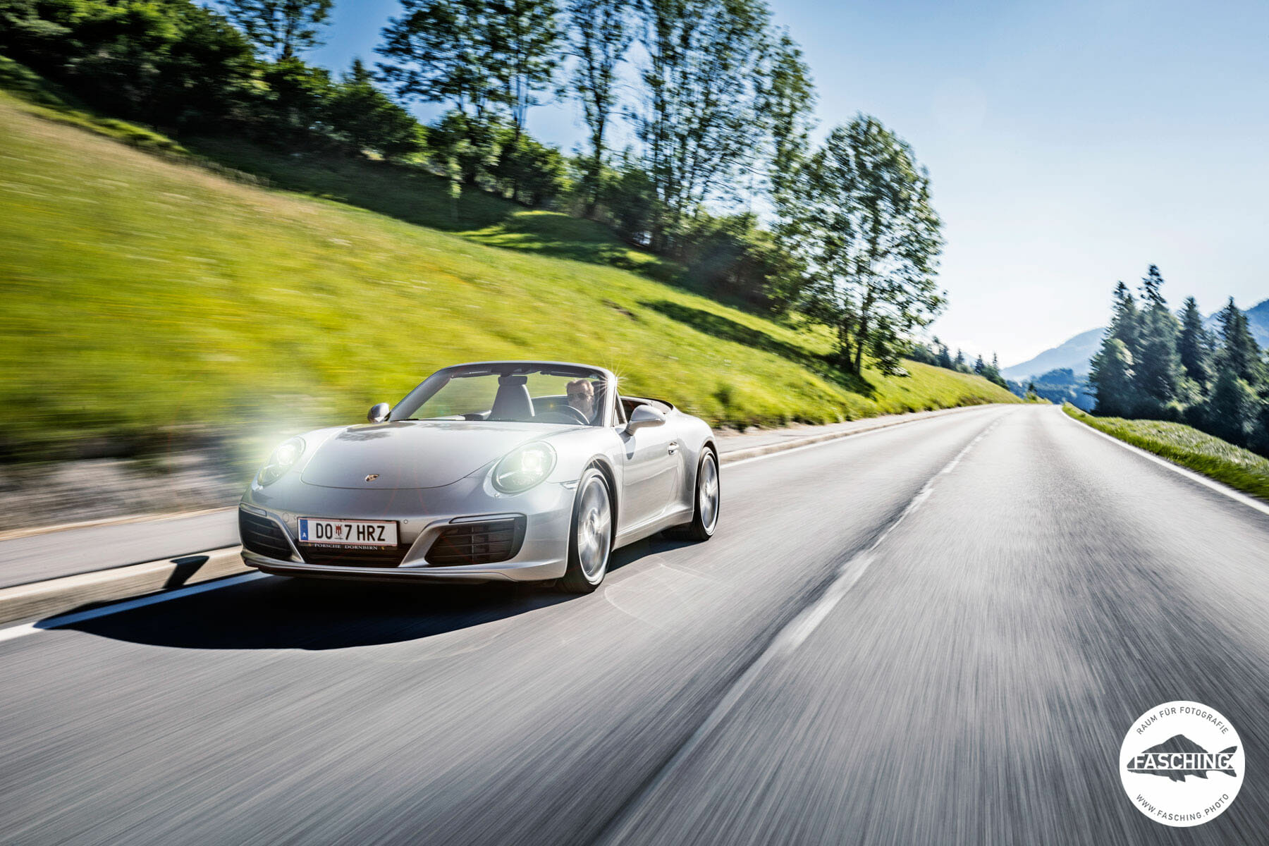 Dieses Porsche 911 Carrera Cabrio wurde von dem vorarlberger Fotograf Luca Fasching fotografiert