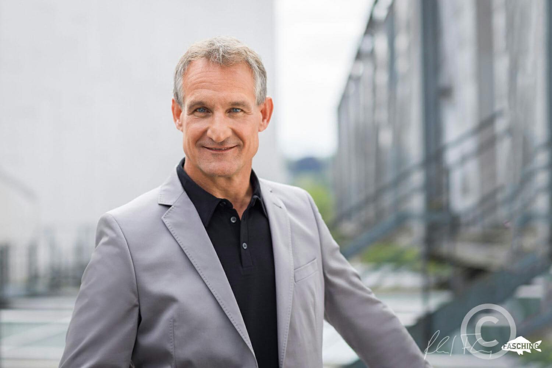 Diese Businessportraits des Bregenzer Bürgermeisters Markus Linhart wurden von Reinhard Fasching fotografiert