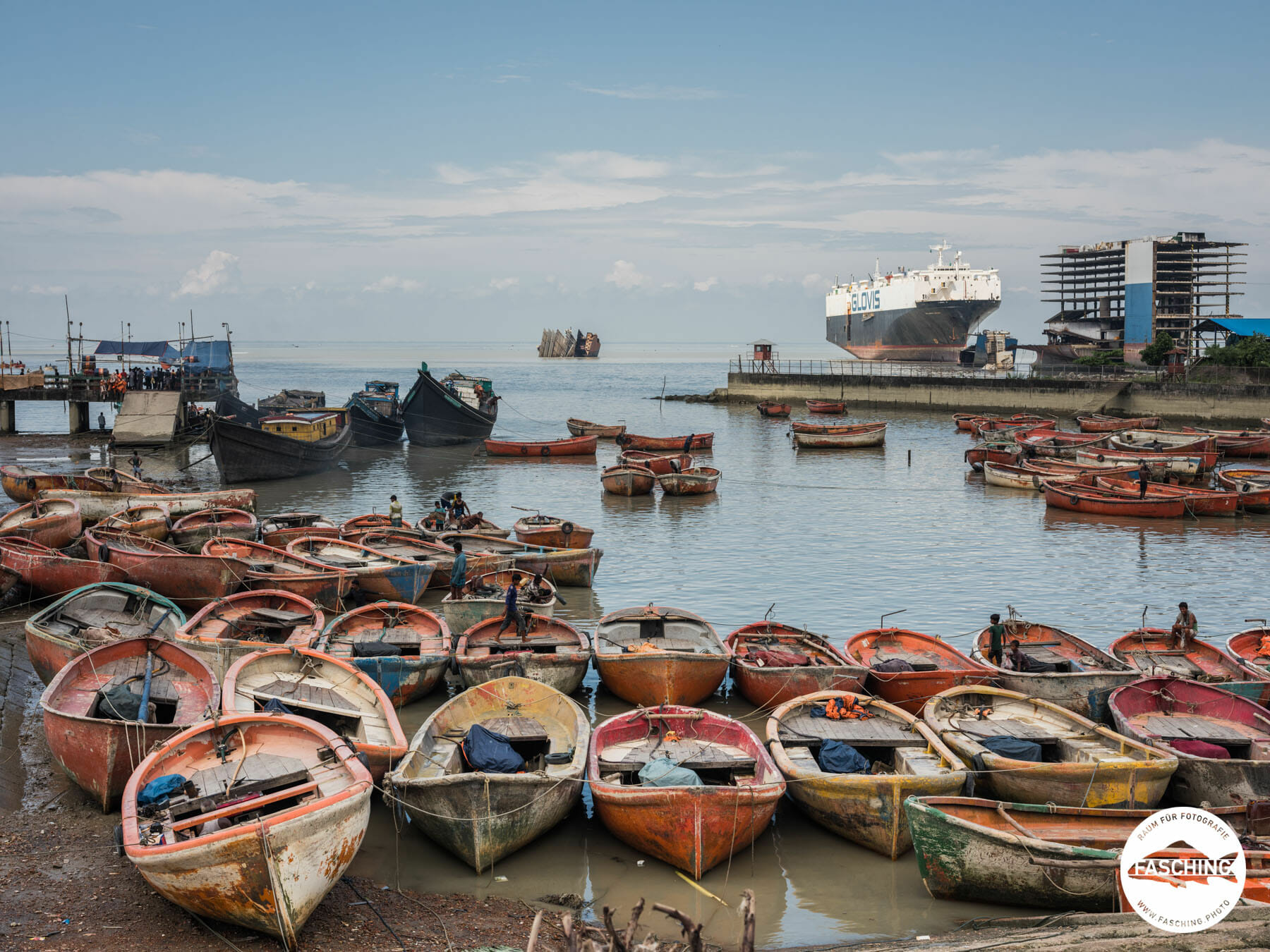 Auf der Reise in Bangladesch besuchten und fotografierten die vorarlberger Fotografen des Studio Fasching auch ein Fischerdorf