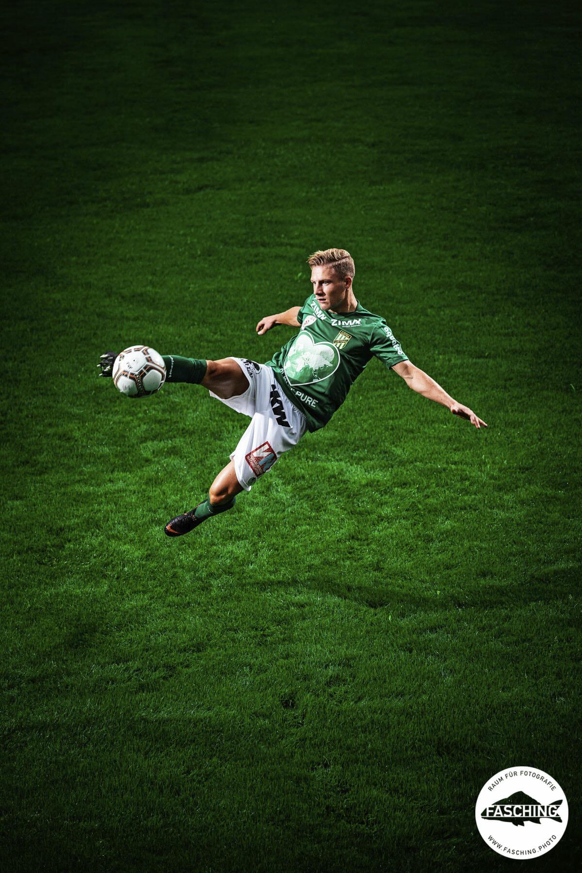 Sportfotos von den Fußballprofis fotografiert von Luca Fasching