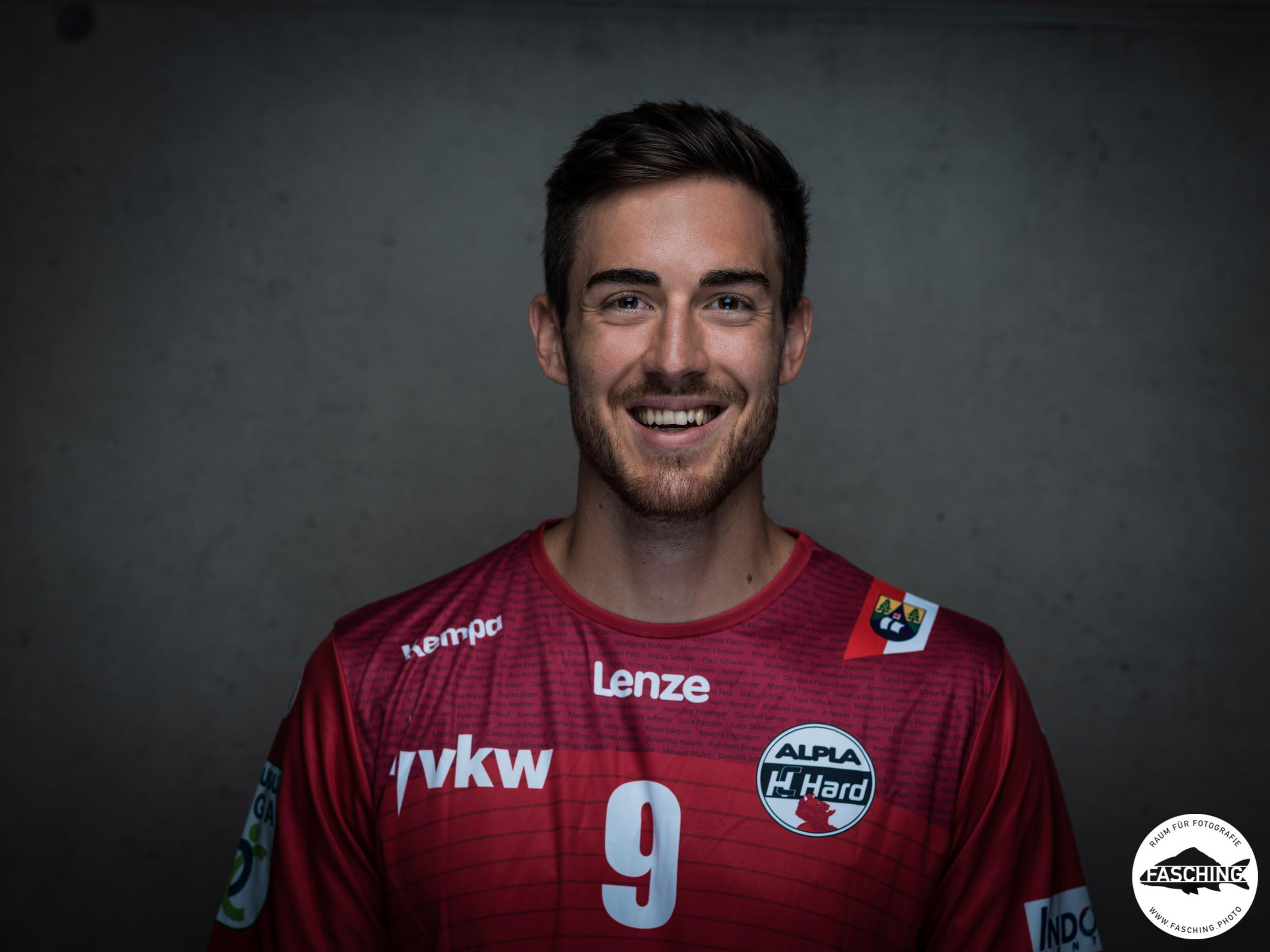Das Bregenzer Unternehmen Studio Fasching portraitierte die Handball Profis des HC Hard und erzeugte so die Portraitfotos